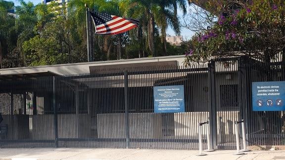 Atendimento no Consulado Americano